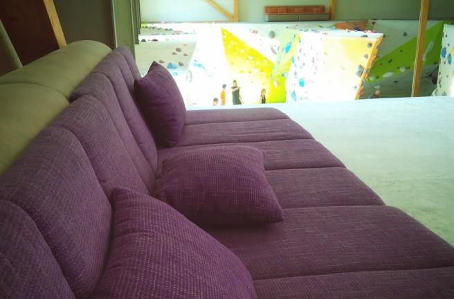 Riesige Sofas auf dem Top sind der Clou