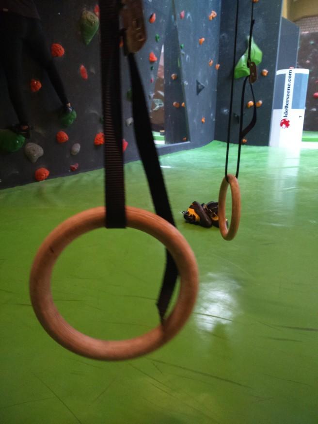 Perfekt für das Krafttraining nach dem Bouldern: Ringe